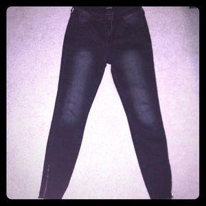 Denim - Black ankle zip jeans